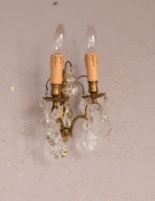 フランス照明、ガラスパーツが付いたアンティーク壁付けシャンデリア(2灯タイプ)(E17シャンデリア球付)