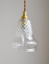 形も模様も美しいガラスシェード、アンティークのペンダントライト(コード・シャンデリア球・ギャラリーなし)