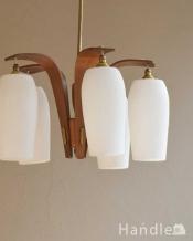 木製×ガラスシェード付きのアンティークシャンデリア(5灯)(E17シャンデリア電球付)(E17シャンデリア球付)