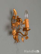 フランスのおしゃれな壁付けシャンデリア、バラのお花のアンティークのウォールブラケット(E17シャンデリア球付)