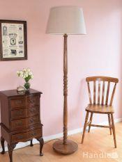 英国アンティークのおしゃれなフロアランプ、木製のフロアスタンド(B22シャンデリア球付)