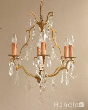 真鍮のラインが美しく、ガラスパーツがキラキラ輝くアンティーク シャンデリア(6灯)(E17シャンデリア球付)