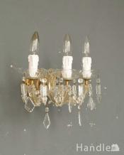 ガラスパーツがキラキラ輝く壁付け照明、ウォールブラケット(3灯)