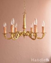 大人っぽい雰囲気の、アンティークの真鍮製シャンデリア・6灯タイプ(E17シャンデリア球付)