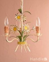 お花をキュッと束ねたフランスのアンティークシャンデリア(3灯)(E17シャンデリア球付)