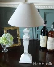 アンティーク風のおしゃれ照明、フレンチシャビーなテーブルランプ(E26球付)
