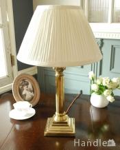 イギリスで見つけたアンティークテーブルランプ(E17シャンデリア球付き)