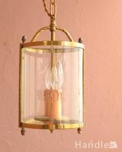 ゴールド色の真鍮がキラっと輝くアンティークのランタンシャンデリア(2灯)(E17シャンデリア球付)