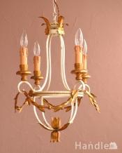 とってもゴージャスなフランスの照明、4灯のアンティークシャンデリア(シャンデリア球4灯)