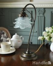 フランスらしいテーブルランプ、バラのシェードのアンティーク風ランプ(E17丸球付)
