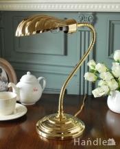 アンティーク調のテーブルランプ、貝殻モチーフのおしゃれなデスクライト (電球セット)