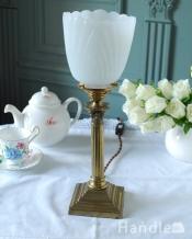 アンティークのテーブルランプ、イギリスで見つけた真鍮製の照明(E17シャンデリア球付)
