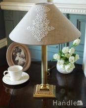アンティークのテーブルランプ、英国で見つけた真鍮製の照明(E17シャンデリア球付き)