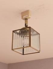 立方体型がお洒落、ストライプガラスのシーリングライト(電球セット)