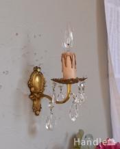 フランス輸入のアンティーク照明、ガラスパーツ付きのウォールランプ(E17シャンデリア球付)