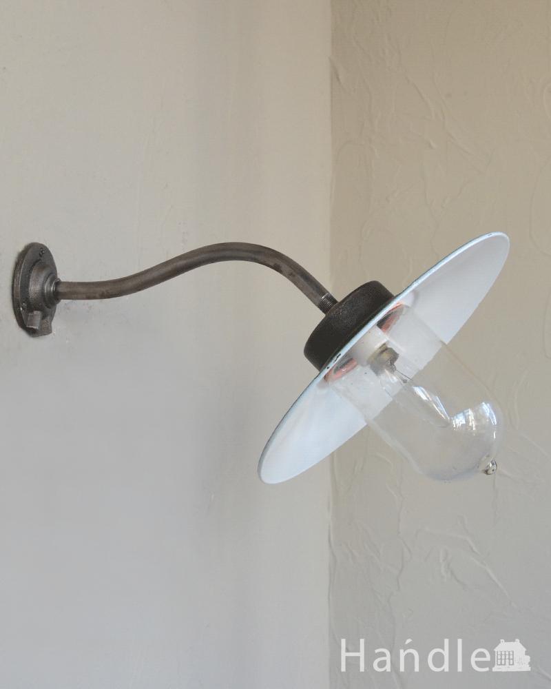玄関におススメの照明、フランスアンティークのデッキランプ(外灯)(B22球付) (d-1580-z)