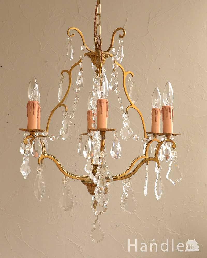 真鍮のラインが美しく、ガラスパーツがキラキラ輝くアンティーク シャンデリア(6灯)(E17シャンデリア球付) (k-2768-z)