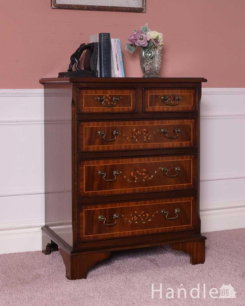 72f1b46e08 リボンの装飾が付いた美しい英国アンティーク家具、ベッドサイドチェスト ...