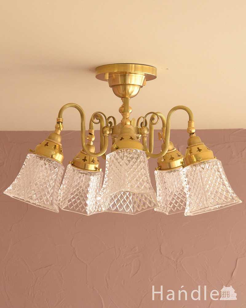 シーリングタイプのアンティーク風真鍮製シャンデリア(5灯・電球なし)  (cr-519-g)