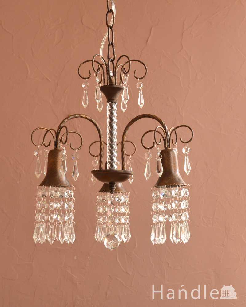ガラスのビーズが美しいアンティーク風のシャンデリア(3灯)(E17電球付)  (cr-527)