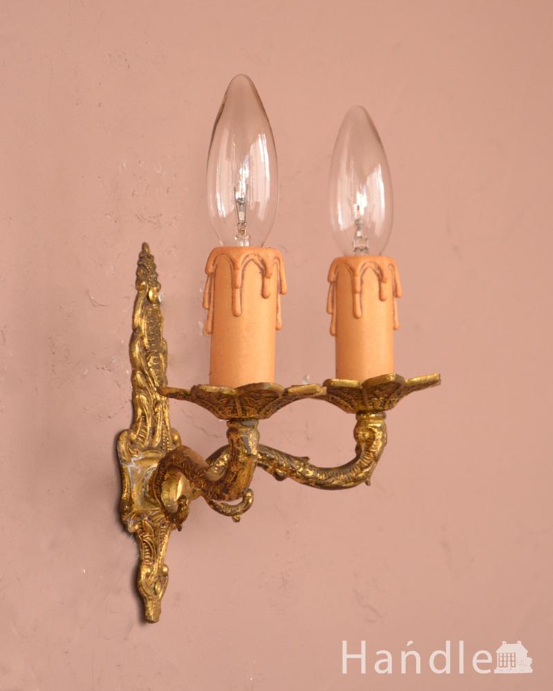 英国アンティーク壁付け照明、2灯タイプの真鍮製ウォールブラケット(E17シャンデリア球付) (k-1220-z)