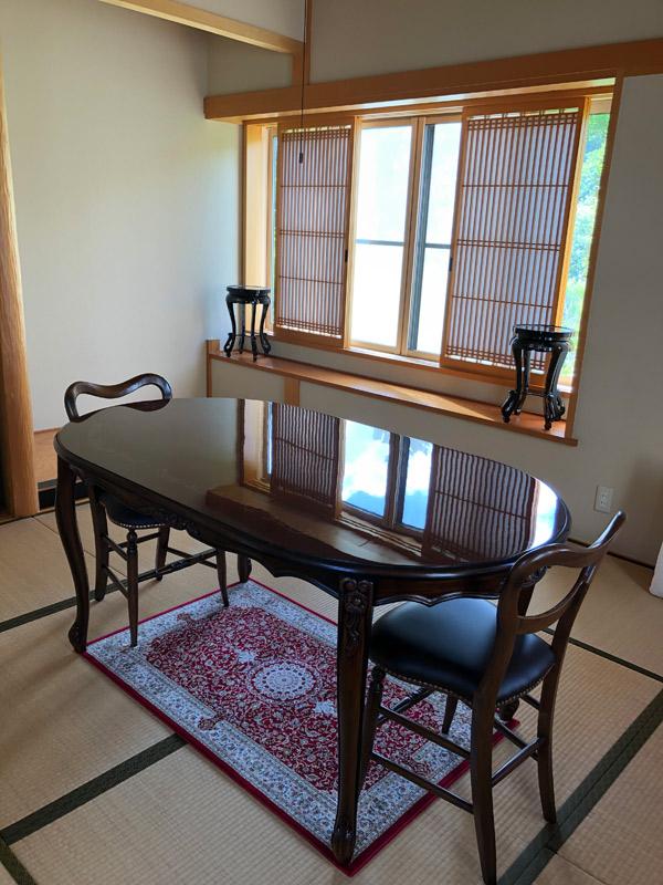 和室のアンティーク家具