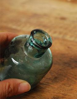 アンティークのボトル