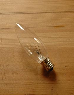 アンティークシャンデリア(5灯)の電球
