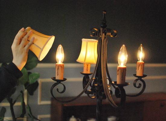 Handleオリジナル 照明・ライティング Handleオリジナル フロアシャンデリア(エッフェル・ホワイト)(E17シャンデリア球付)。(CR-018-b)