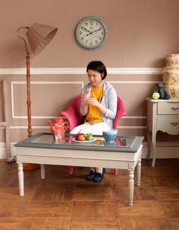 コントワールドファミーユ アンティーク風 コントワール・ド・ファミーユのディスプレイテーブル(ムーブルペイント)。アンティークのチェアや雑貨とも相性バッチリのテーブルです。(cff-64)