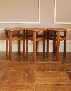 x-550-f アンティークネストテーブルの小テーブル