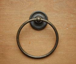洗面・トイレ 住宅用パーツ タオルリング (アンティーク色仕上げ)。丸いリングです。(sa-403)