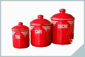 アンティーク風のキッチン雑貨