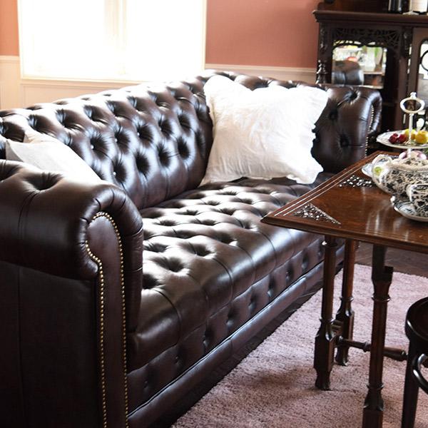 チェスターフィールドのソファ