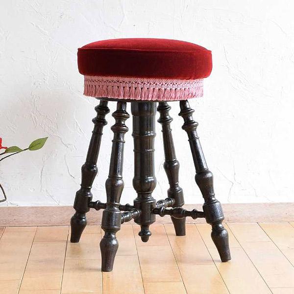 挽物細工の脚が美しいフランスのスツール